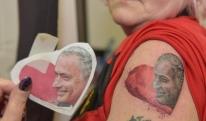 გულშემატკივარმა მოურინიოს სიყვარულის გამო მისი ტატუ ამოისვირინგა [PHOTO]