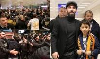 """არდა თურანი """"ბარსელონას"""" დაემშვიდობა და სტამბულის აეროპორტში უამრავი ფანი დახვდა"""