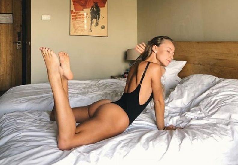 რუსი ქალი, რომელსაც ყველაზე ლამაზი ფეხების მქონე ფიტნეს-მოდელად თვლიან [PHOTO]